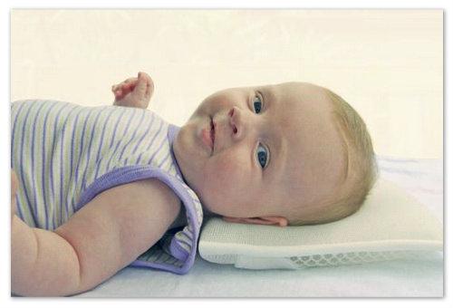 Что подложить под голову новорожденному? Подушки для детей.