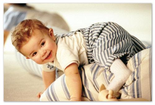 Ползающий малыш