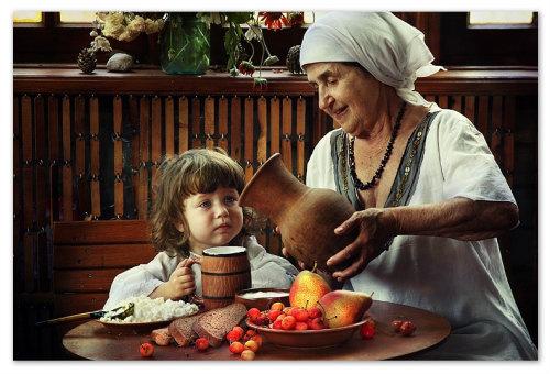 Бабушка и внучка.